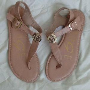 Ladies Sandles Size 7.5
